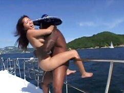 Una chica rizada con un culo elegante.) mexicanas tetonas xxx