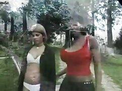 Pareja delante videos porno mexicano gay de la cámara en imágenes de aficionados.
